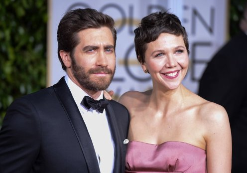 maggie-jake-gyllenhaal-golden-globes-photos
