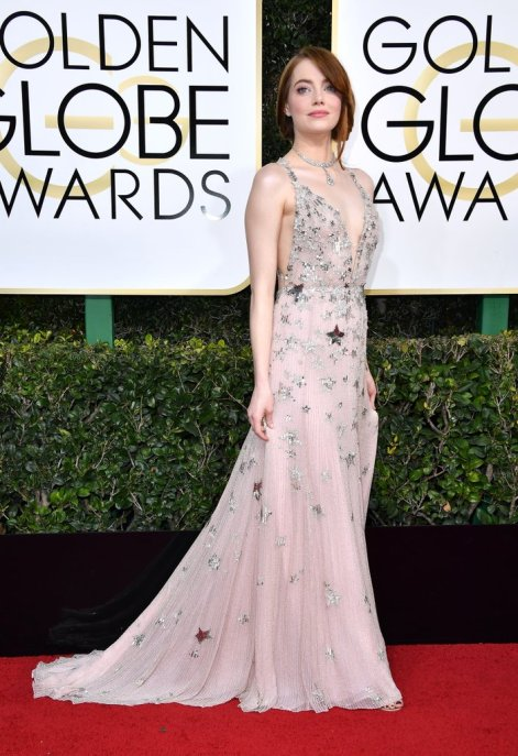 emma-stone-valentino-dress-golden-globe-awards-2017