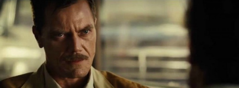 nocturnal-animals-2016-006-michael-shannon-conversation-close-up