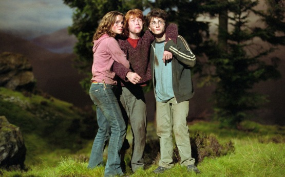 emma_watson_with_other_crew_in_harry_potter.psd