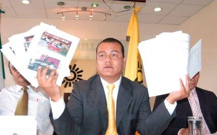 Juan-Zepeda-lIder-de-la-bancada-PRD