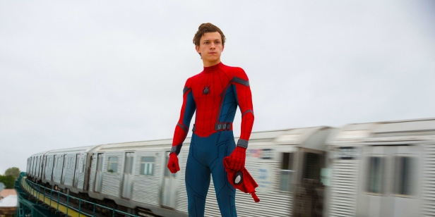 69f3e0spider-man-homecoming-video-peters-suit-tech