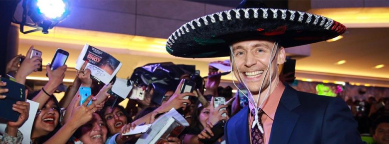 Tom-Hiddleston-in-Mexico